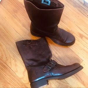 FRYE Boots Brown 8.5